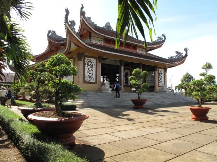 Bat-Nha-Monastery-image